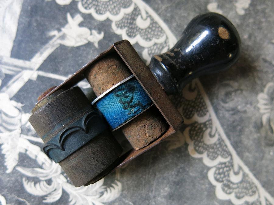 画像2: アンティーク 刺繍図案用 小さなローラースタンプ