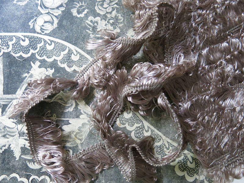 画像1: 19世紀末 アンティーク 薄紫&ライトグレー フリンジ トリム