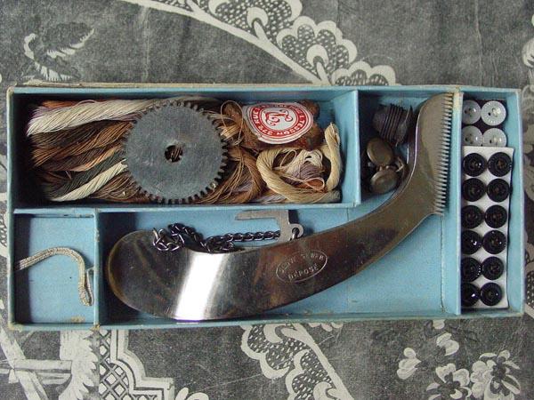 画像4: アンティーク 手袋の修理道具のセット COUD GANTS-GRANDS MAGASINS DU LOUVRE